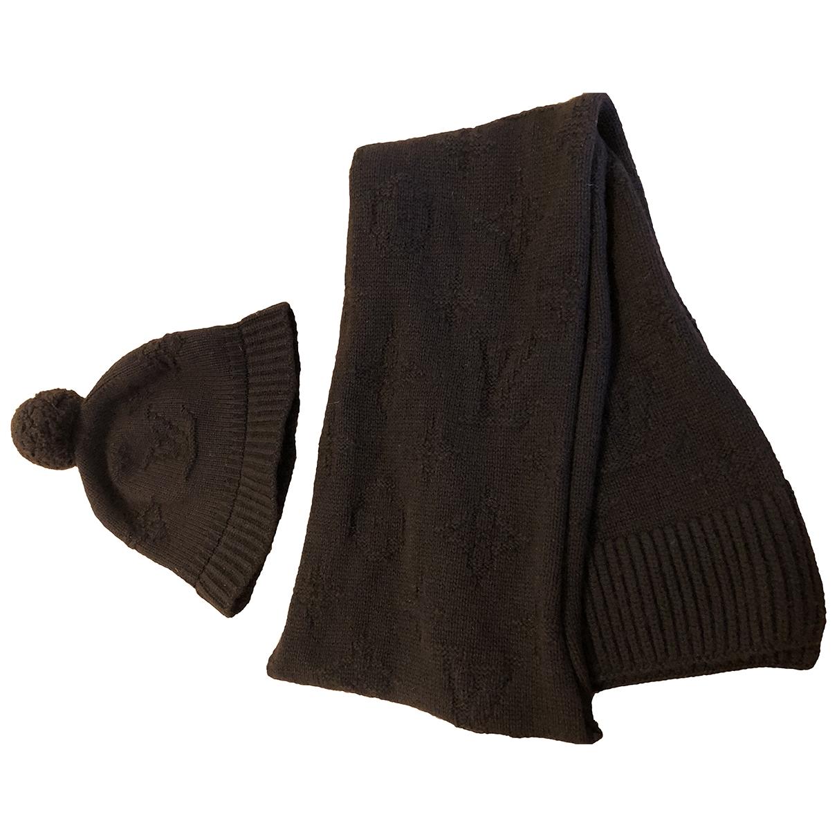 Louis Vuitton \N Brown Cashmere scarf for Women M International