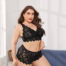Plus Floral Lace Scallop Trim Lingerie Set