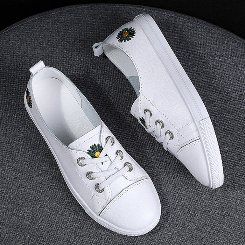 Flowers Decor Soft Lace Up Front White Flat Shoes for Women