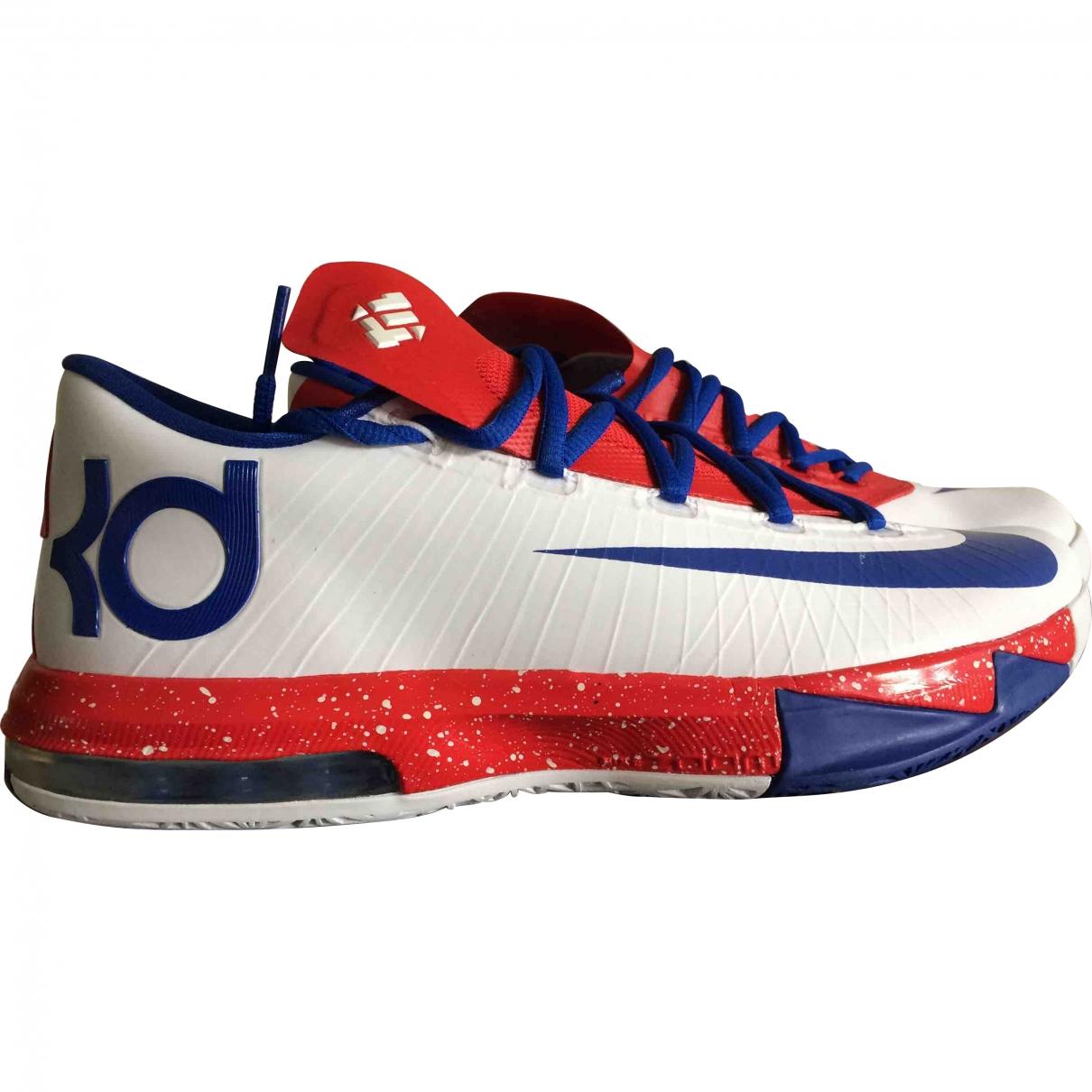 Nike \N Sneakers in  Rot Kunststoff