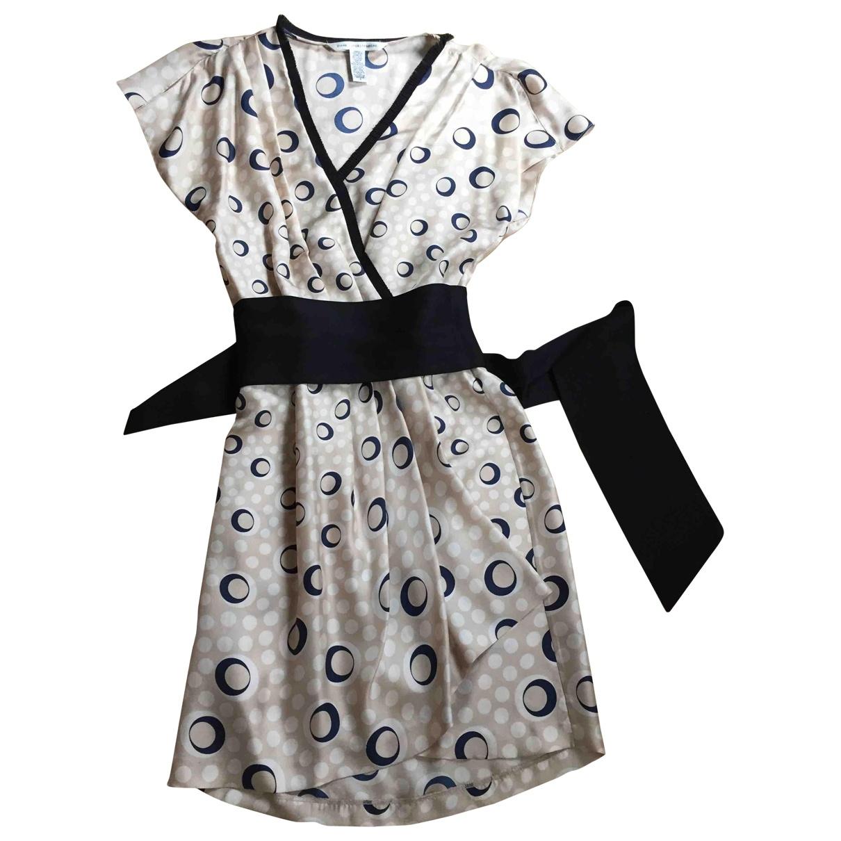 Diane Von Furstenberg \N Beige Silk dress for Women 6 US