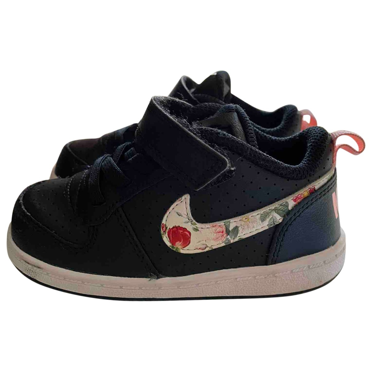 Nike \N Black Leather Trainers for Kids 22 EU