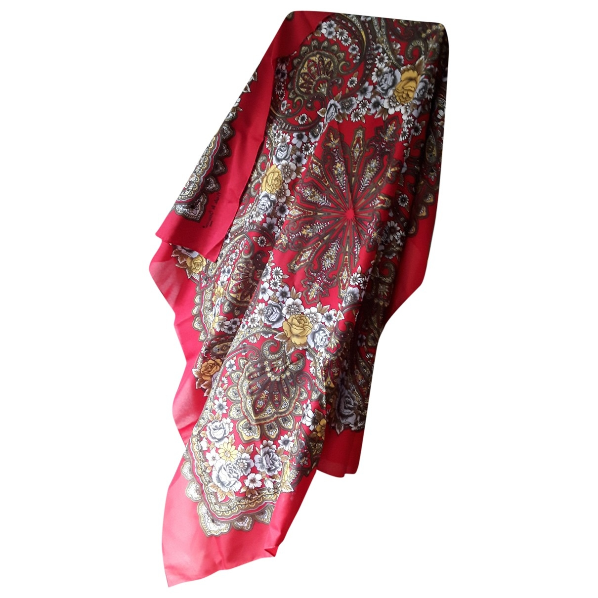 Non Signé / Unsigned \N Red Silk handkerchief for Women \N