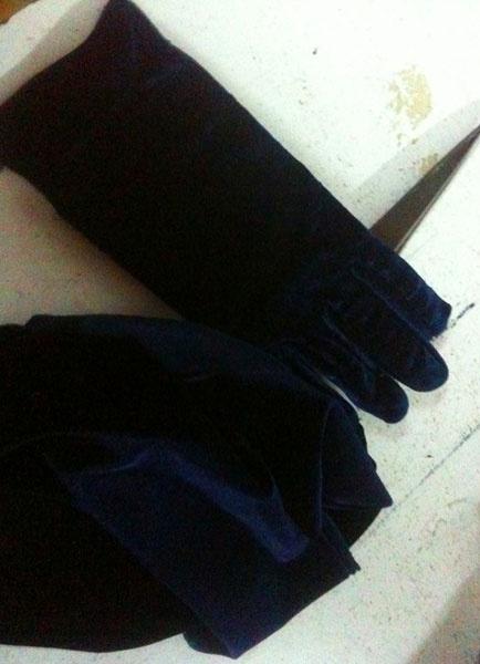 Milanoo Red Wedding Gloves Flannel Fingertips Wrist Length Evening Gloves For Women