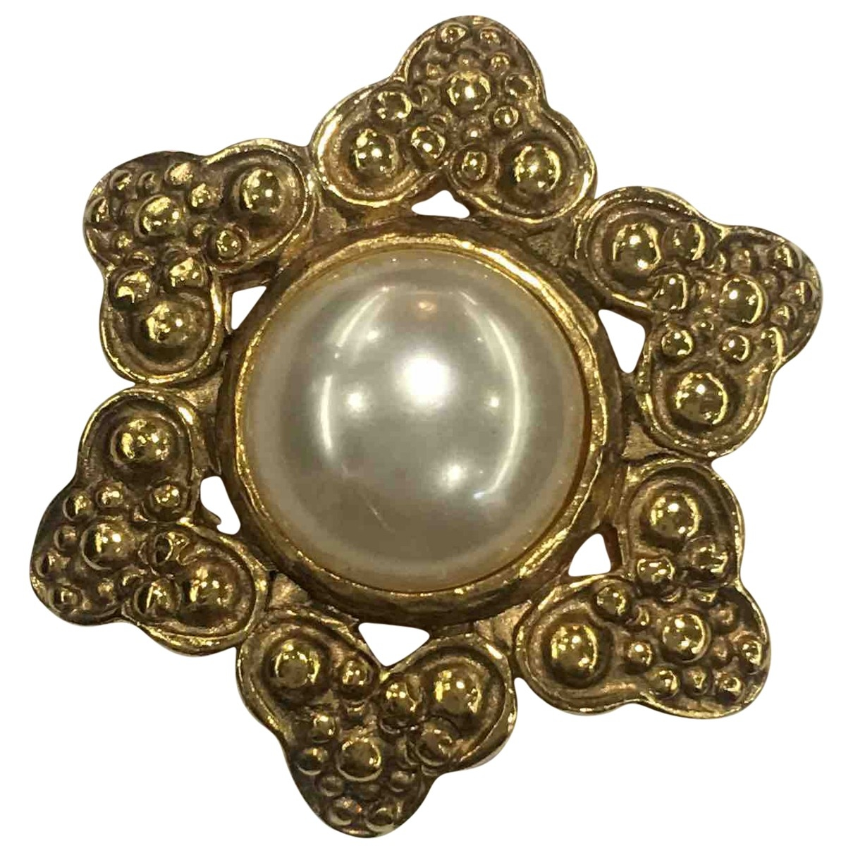 Chanel \N Gold Gold plated Pins & brooches for Women \N