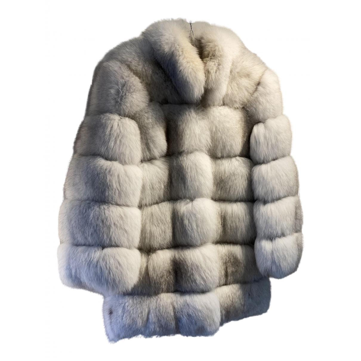 Non Signé / Unsigned \N White Fox coat for Women 36 FR