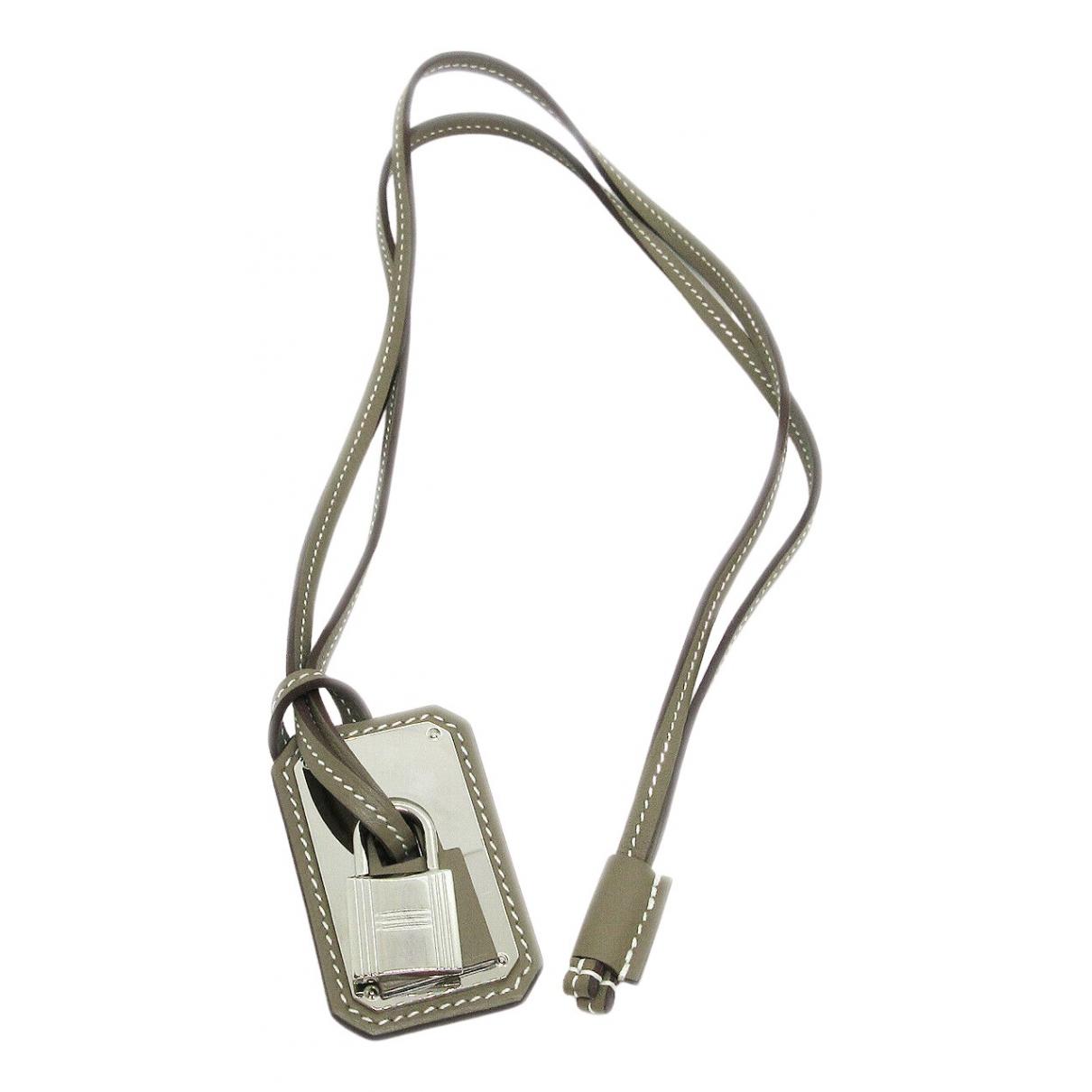Hermès \N Grey Metal necklace for Women \N