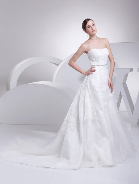Milanoo Lace Wedding Dress Strapless Lace A-Line Tulle Chaple Train Bridal Dress With Sash