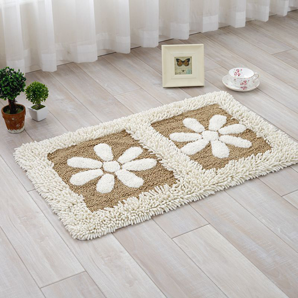 Cream-coloured Flower Petal Rectangle Doormat