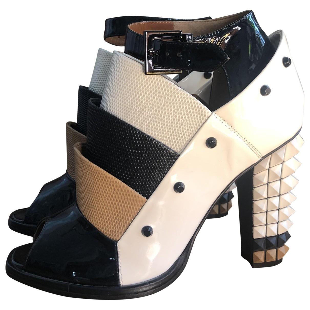 Fendi \N White Leather Heels for Women 37.5 EU