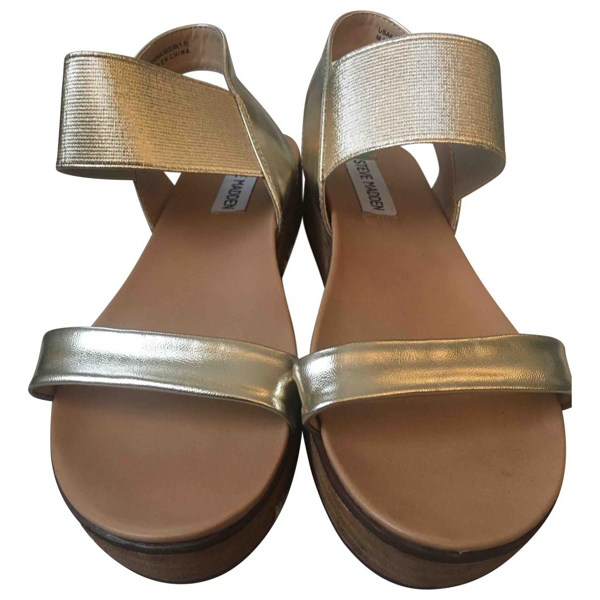 Steve Madden \N Gold Patent leather Sandals for Women 36 EU