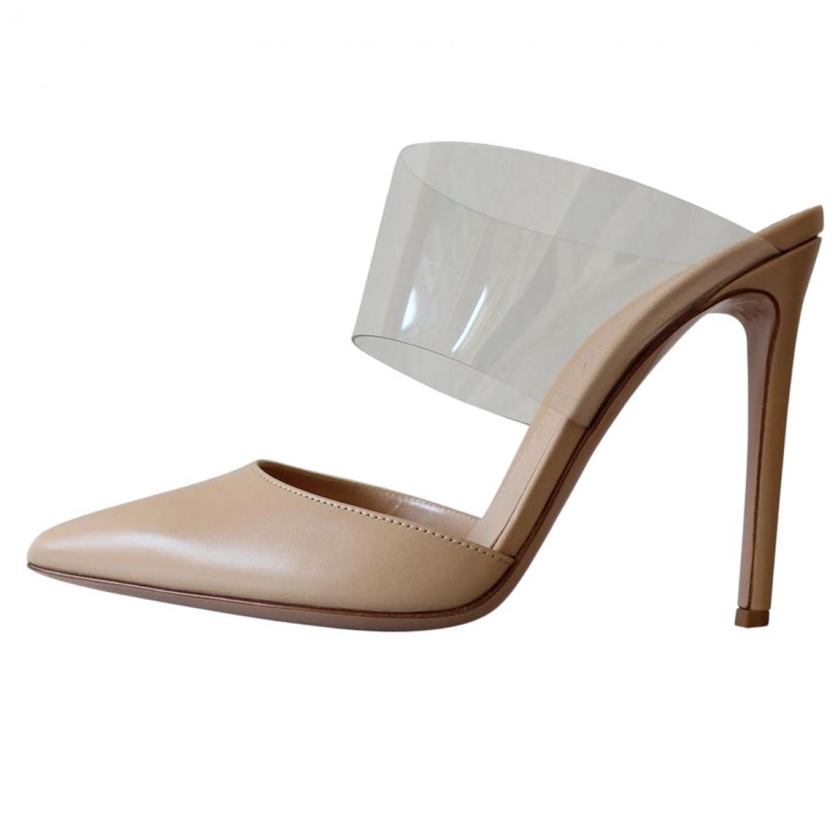 Gianvito Rossi \N Beige Leather Heels for Women 37 IT