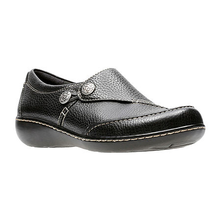 Clarks Womens Ashland Lane Slip-On Shoe, 7 Wide, Black