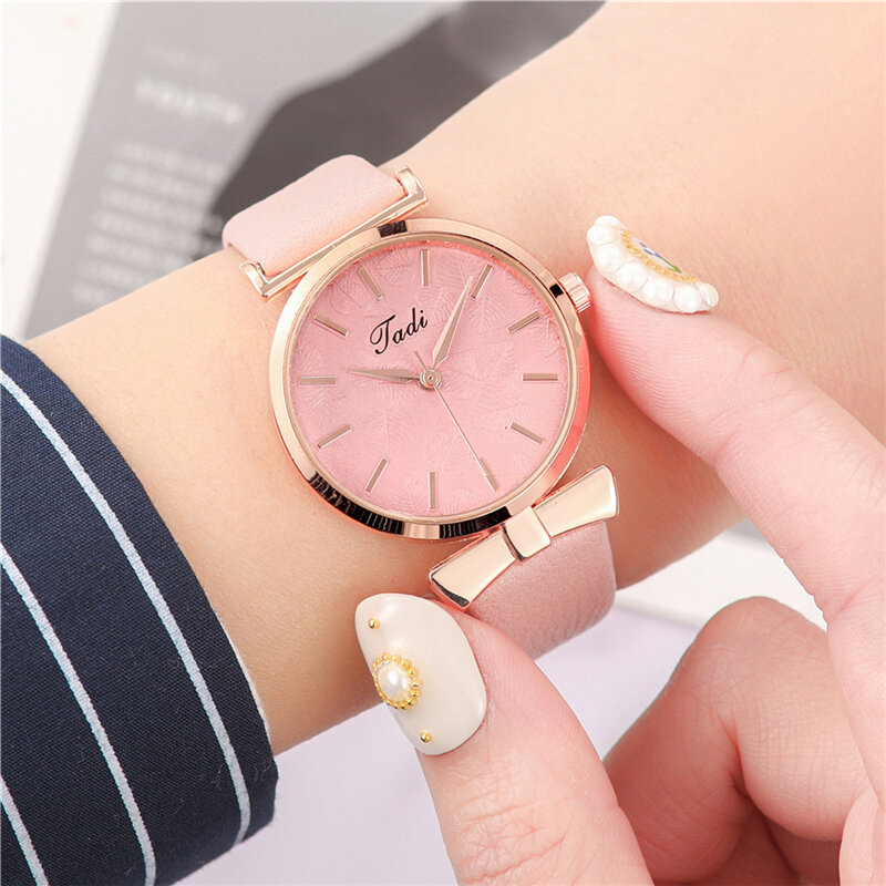 Fashion Sport Women Watches Leather Band No Number Dial Rose Gold Alloy Case Quartz Watch