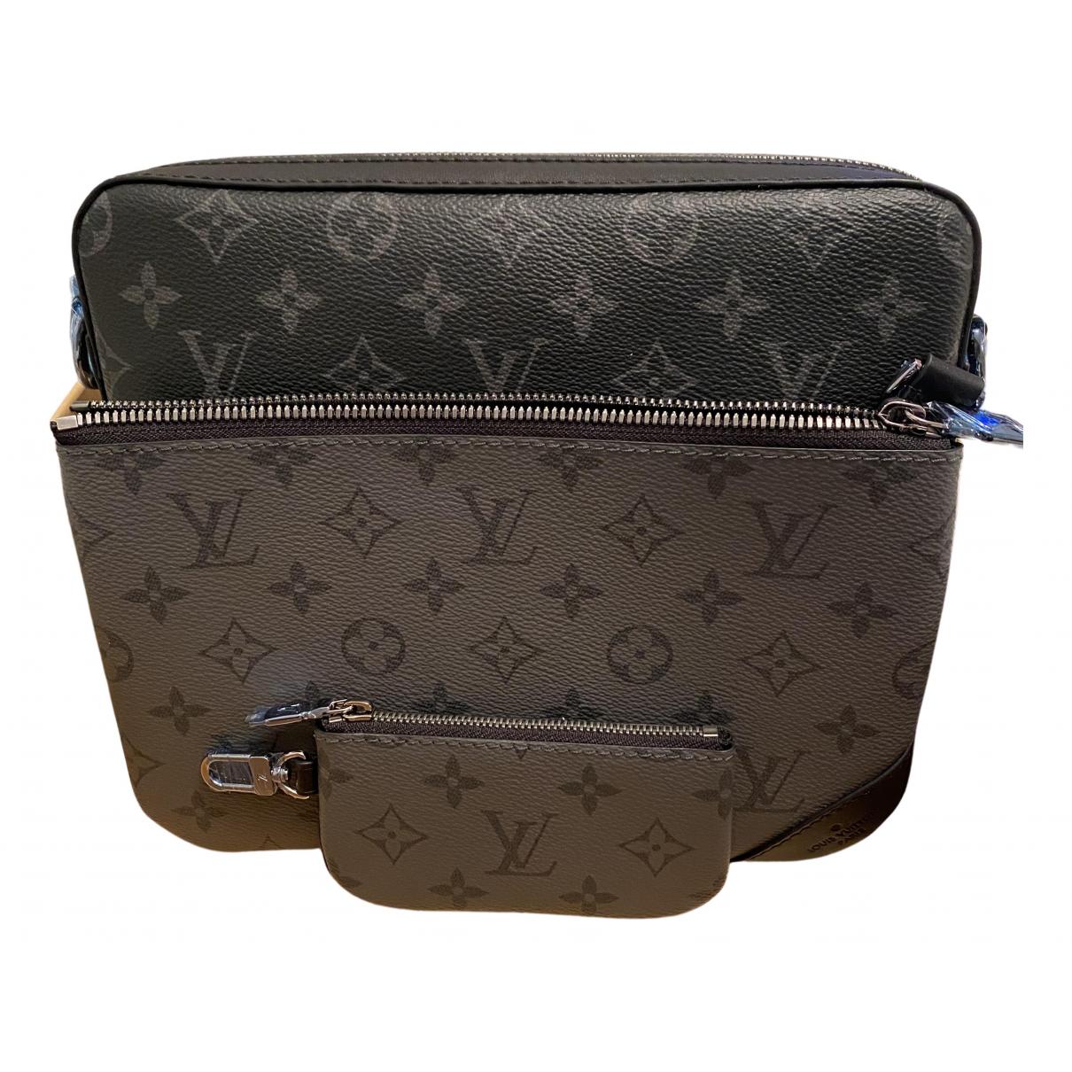 Louis Vuitton \N Black Cloth bag for Men \N